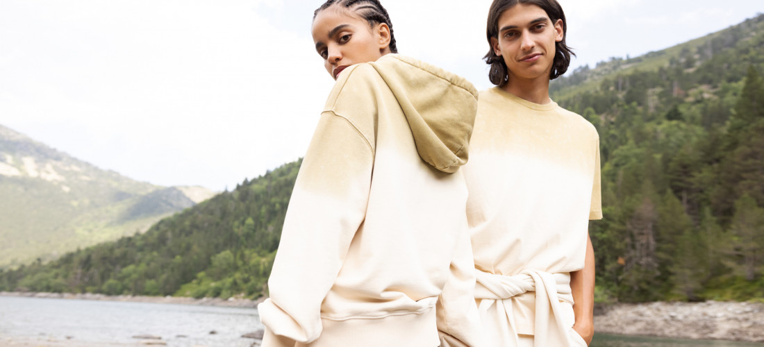 Unisex sweatshirts and hoodies