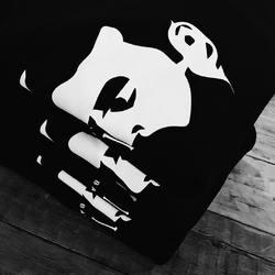Вы ищите футболки, которые выдерживают большое количество стирок?  Они у нас есть ☝🏻 Наши футболки идеально подойдут - они повышенной износостойкости, не растягиваются и в них вы точно проходите долго!  Печатаем для баров и ресторанов 💃🏻 --- #thinkprintru #delonatelo #печатьспб #печатьназаказ #печатьнаодежде #износостойкость #качественныефутболки Instagram + Facebook @thinkprintru